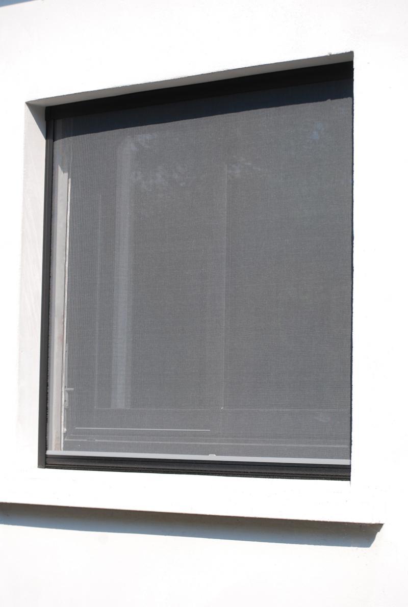 moustiquaire enroulable verticale cavaillon avignon. Black Bedroom Furniture Sets. Home Design Ideas